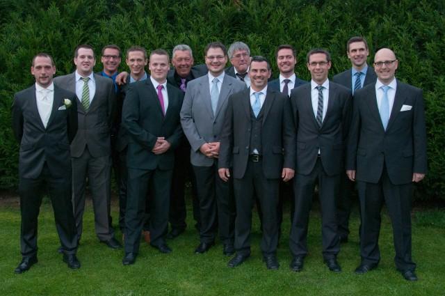 Gruppenfoto anlässlich Thomas & Melissas Hochzeit